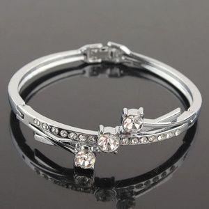 14K White Gold Filled Austrian Crystal Bangle
